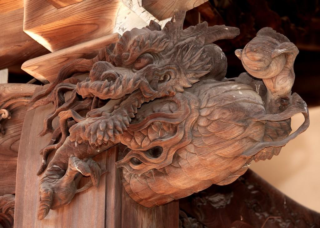 Sculpture tete de dragon temple japonais - Dragon japonais ...