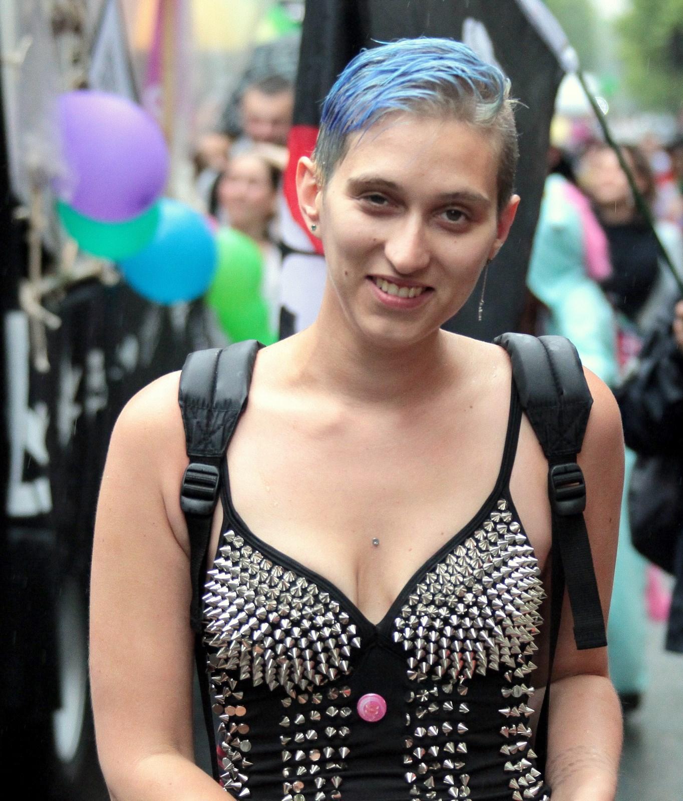 rencontre gay disneyland paris à Toulon