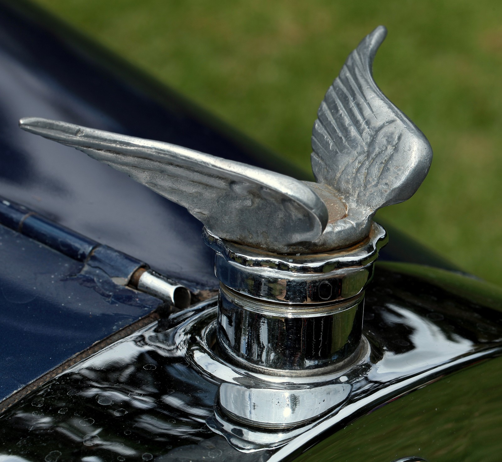 RUGBY AUTOMOBILE 1925 HOOD ORNAMENT